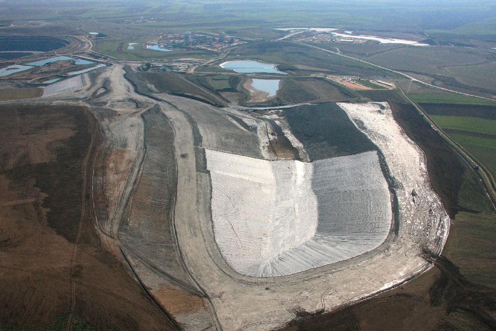 Galeria bajo texto 1 b - Tailing dam