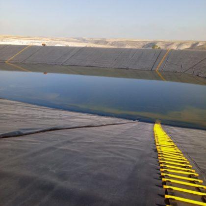 Lastres en taludes y escalas de emergencia recortada 420x420 - Rescue scale